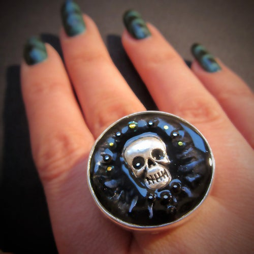 Image of Midnight Rocks Skullie Silver Ring