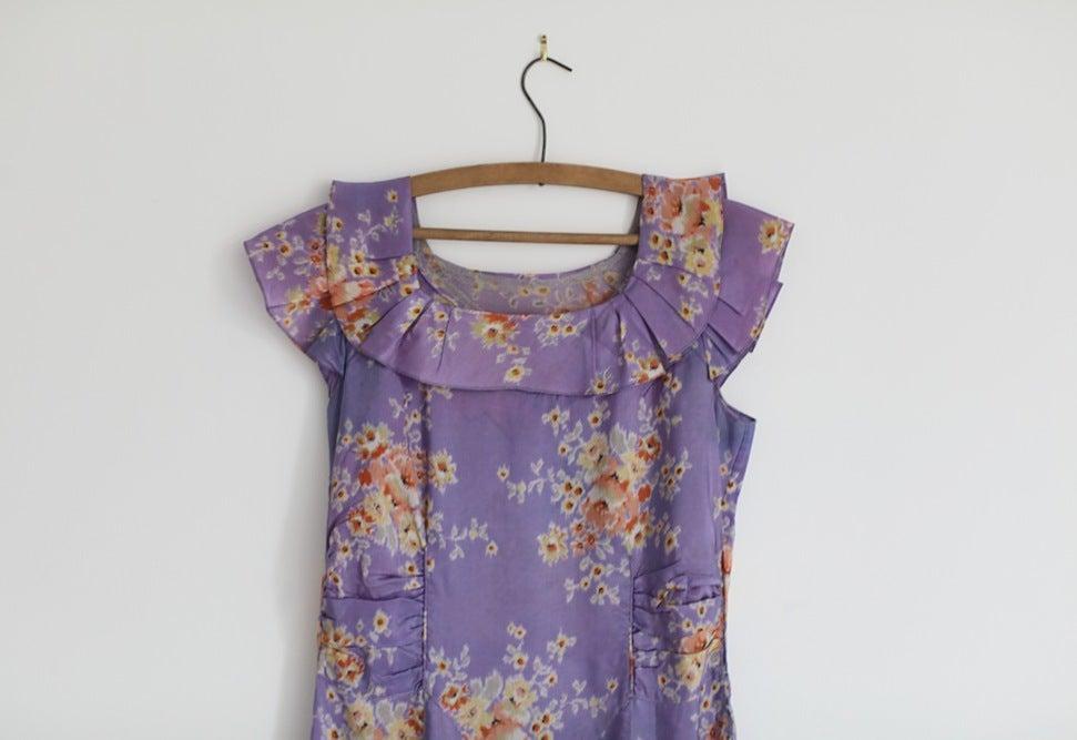 Image of 1930s purple taffeta fish tail dress
