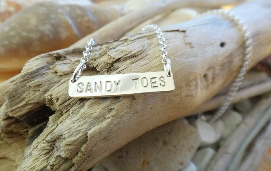 Image of Sandy Toes Necklace
