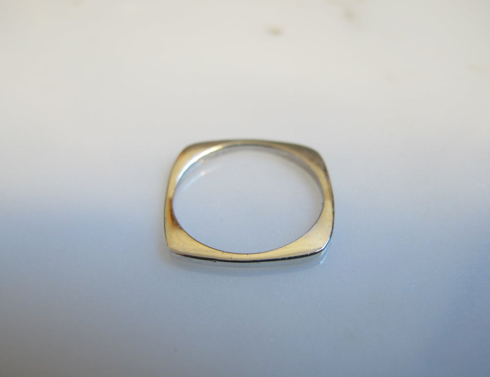 Image of SQUARE RING