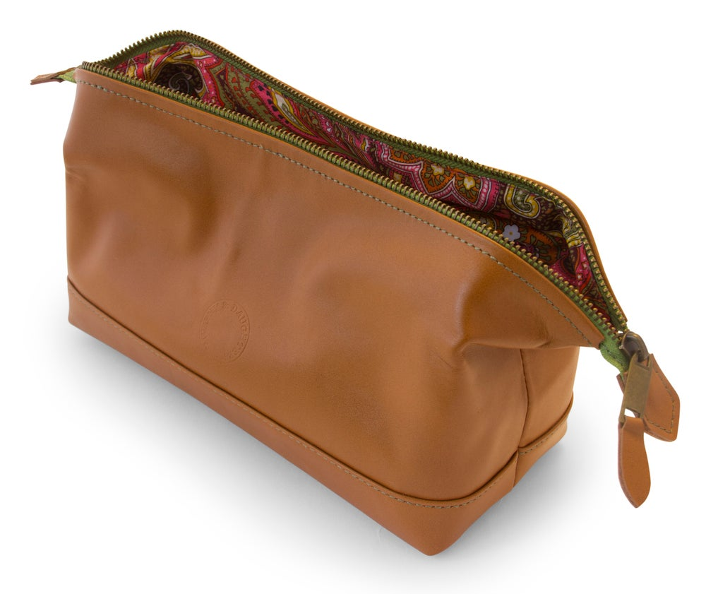 Image of Leather cosmetic bag - green