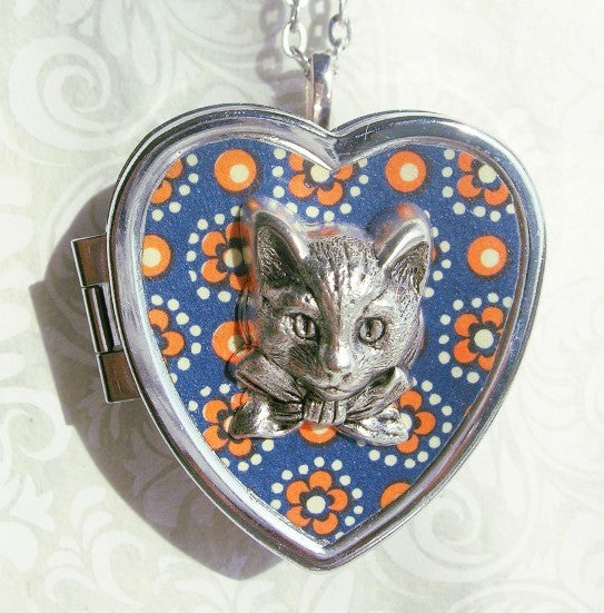Image of Sweet Molly miniature music box heart locket (speckled blue)