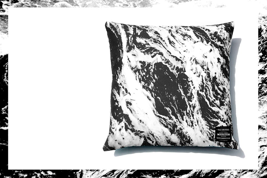 Image of MARBLE BLACK PILLOW