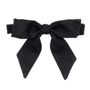 Image of black tie {lady bow)
