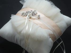 Image of Princesa-Silk Ring Bearer Pillow