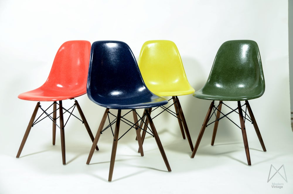 Modern vintage amsterdam original eames furniture for Different color chairs