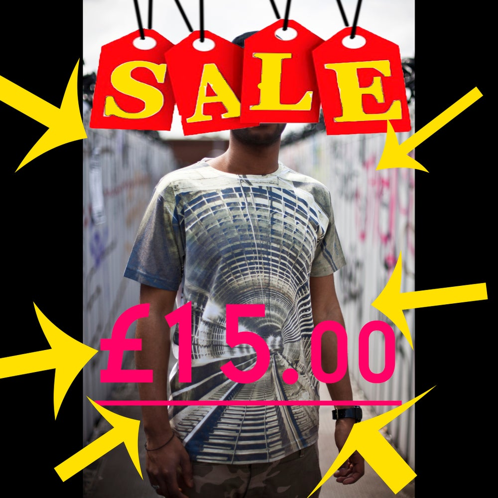 Image of T shirt Tunnel vision on SALE £15
