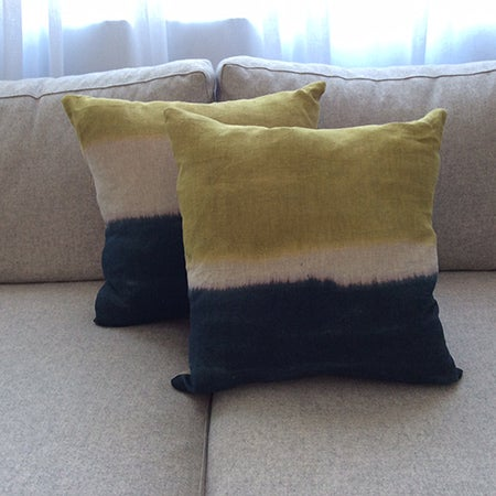 Image of LOT 18 - CUSHIONS
