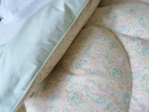 Image of Stunning Single Eau De Nil Paisley Single Eiderdown