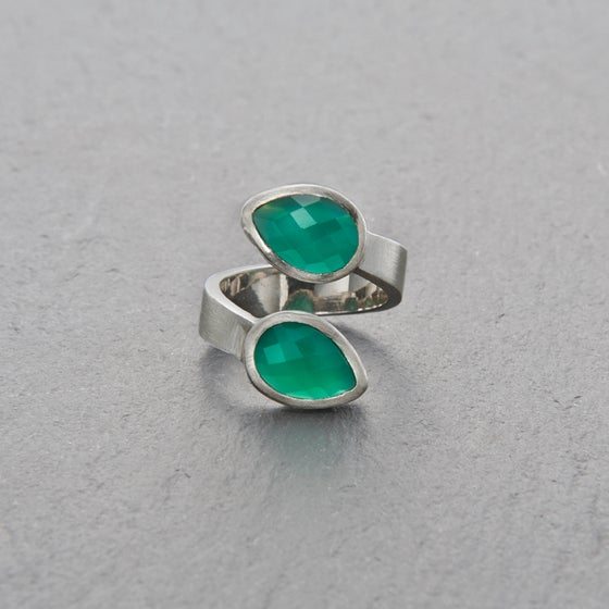 Image of Trincomalee II Green Onyx Ring Silver