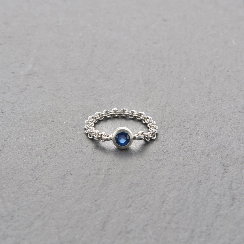 Image of Mount Lavinia Blue Sapphire Chain Ring Silver