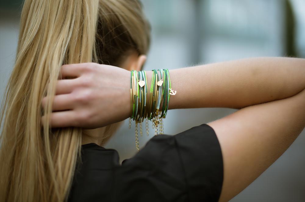 Image of Golden Beauties Green Tube