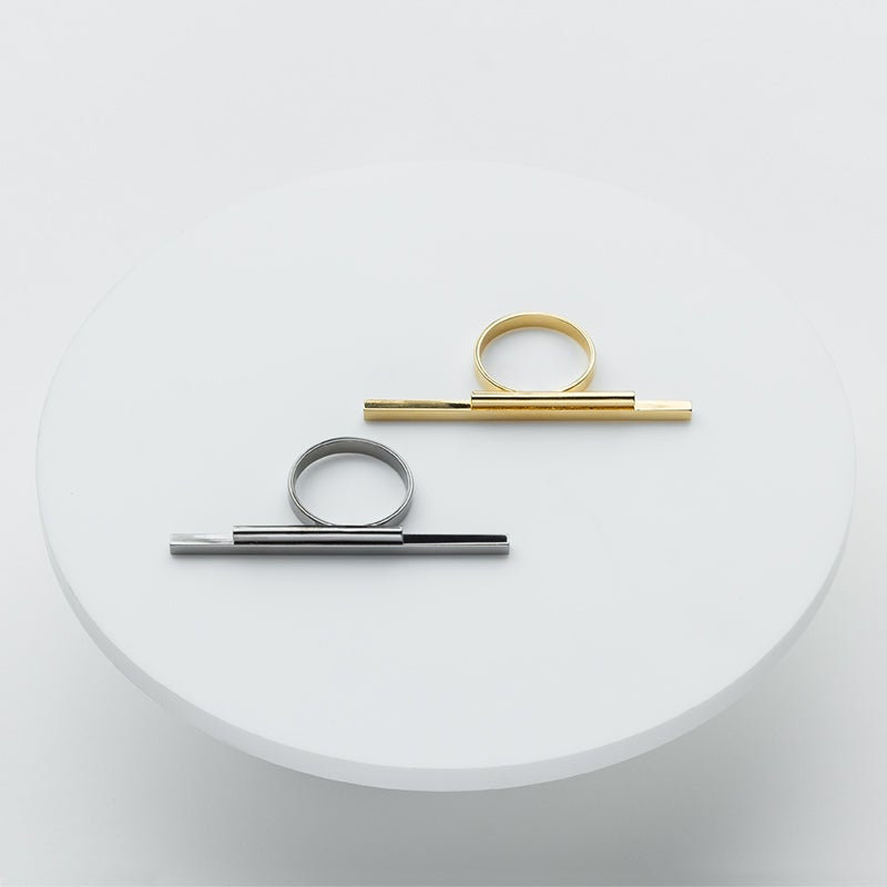 Image of WINNOW Procyon Bar Ring