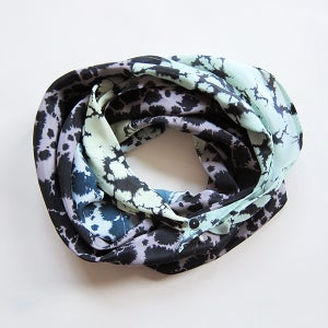 Image of Silk Scarf / button blue