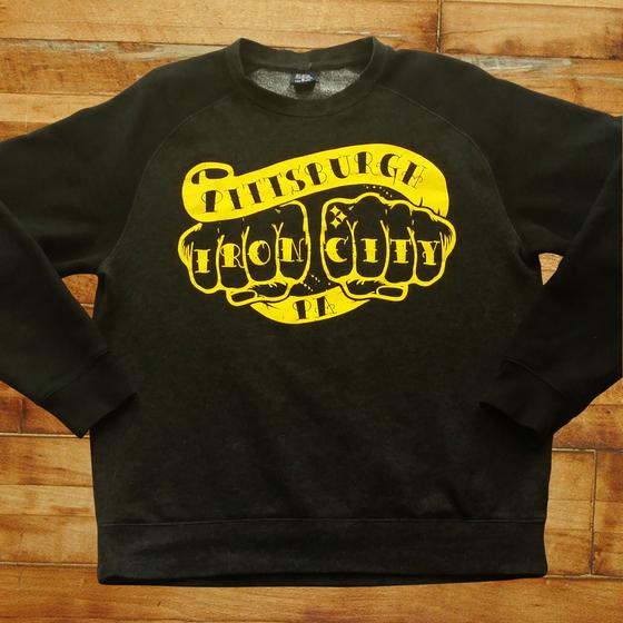 Image of Knuckles Raglan Sweatshirt