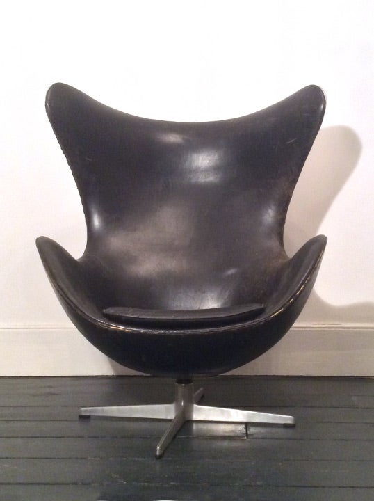 Image of Early Egg Chair by Arne Jacobsen