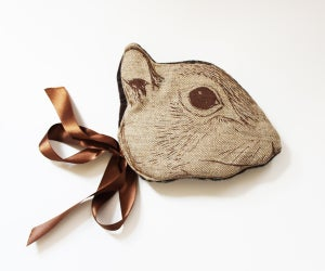 "Image de Masque ""Animalesque"" de Sara Lowes. Ecureuil"