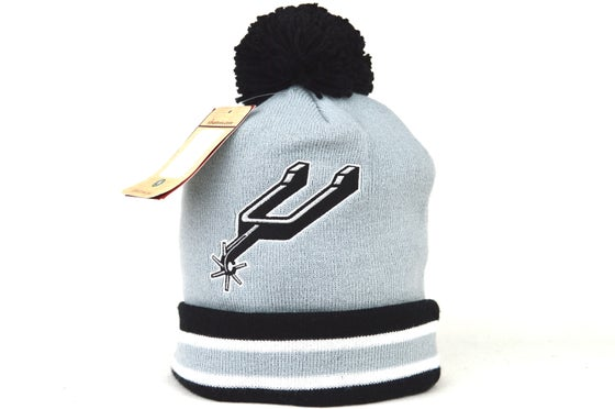 Image of SAN ANTONIO SPUR GREY NBA MITCHELL & NESS WINTER BEANIE