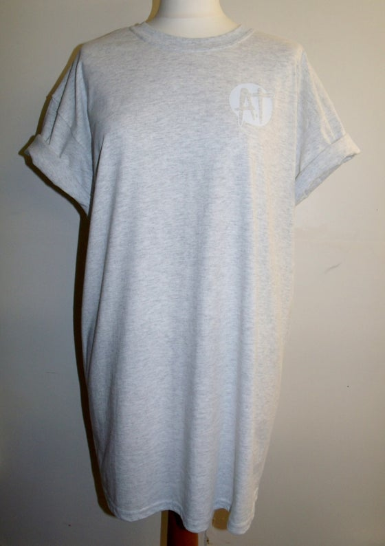 Image of Ash grey chest logo t-shirt