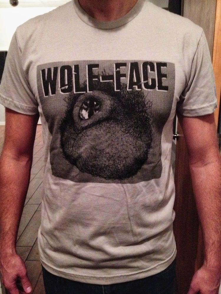 "Image of Wolf-face ""Man Peach"" T-shirt"