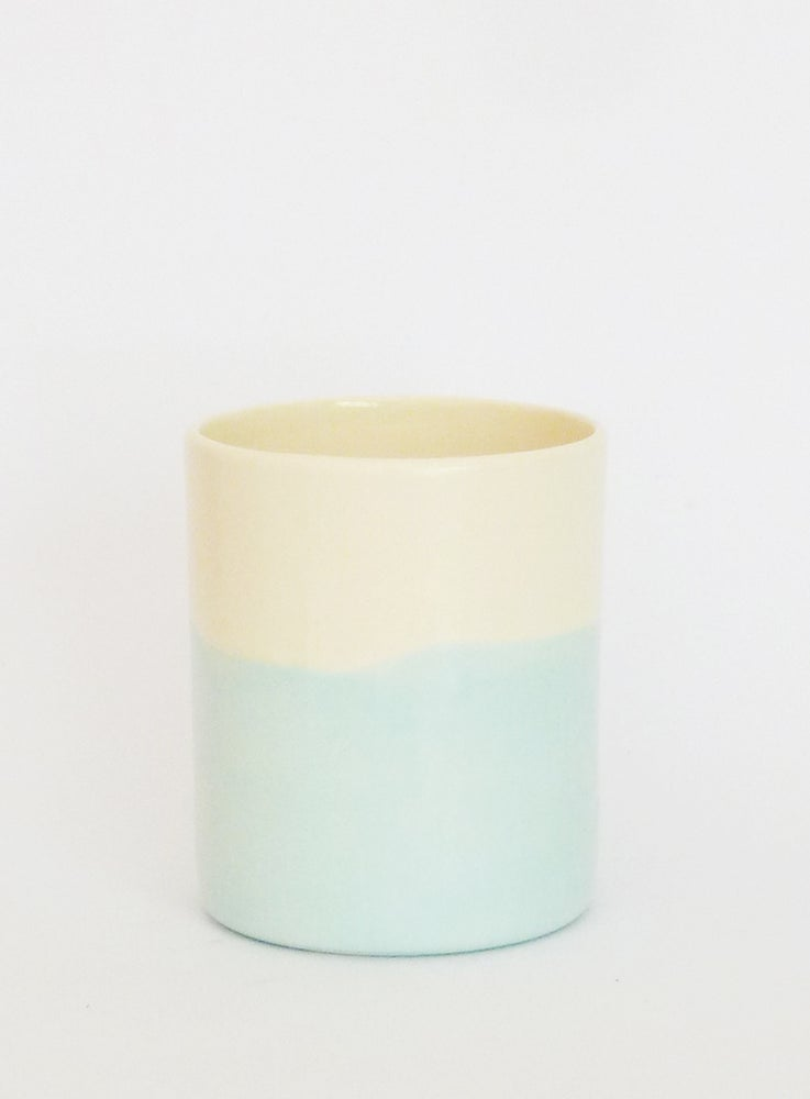 Image of BLUE WASH BEAKER (MEDIUM)