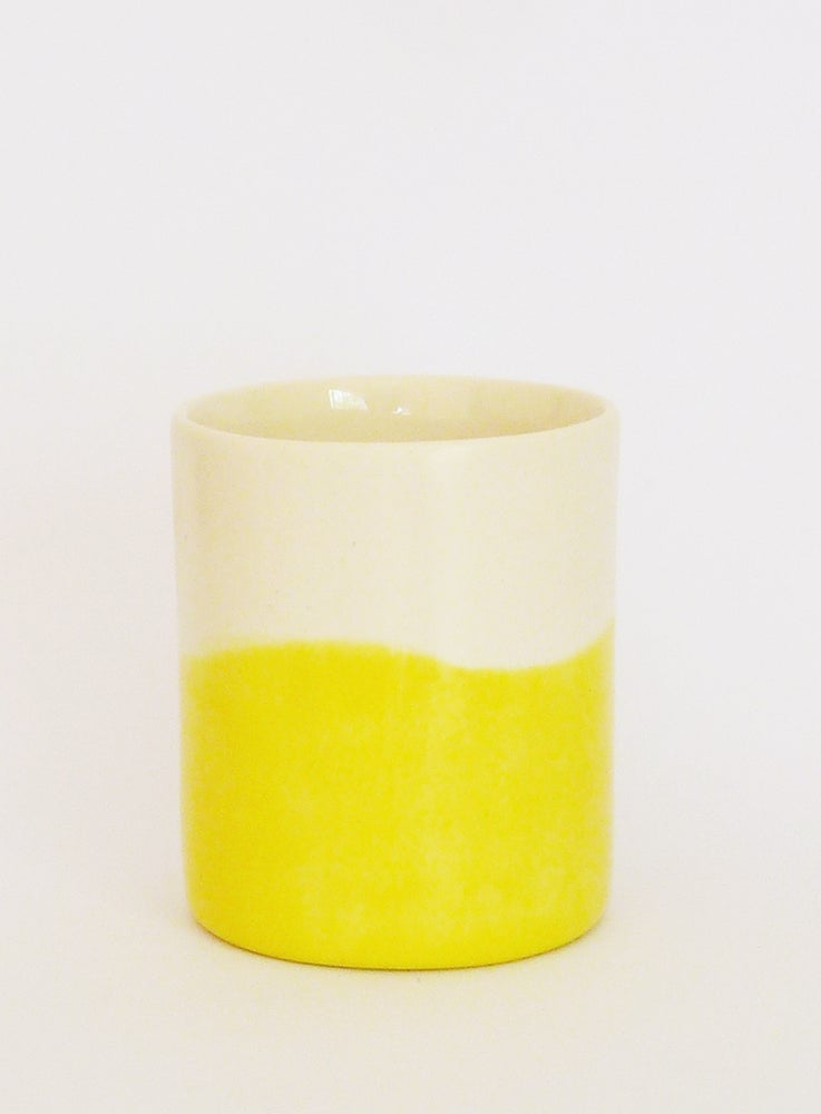 Image of YELLOW WASH BEAKER (MEDIUM)