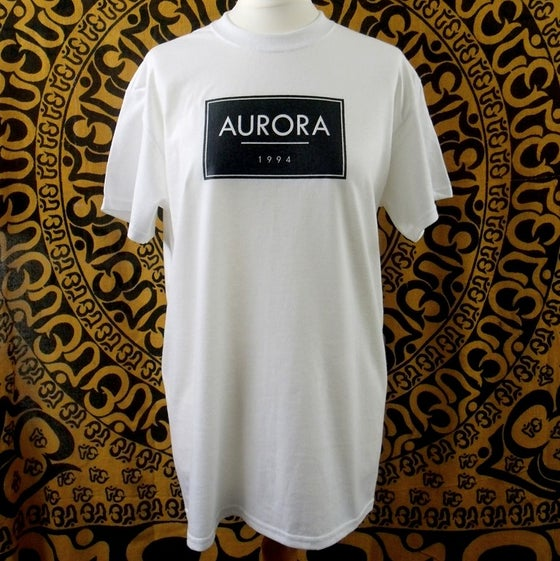 Image of White Aurora box logo t-shirt
