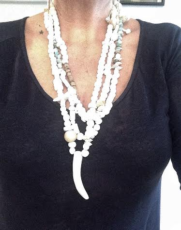 Image of 3 neckless composition