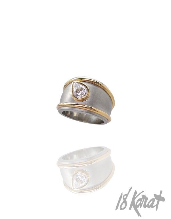 Linda's Engagement Ring - 18Karat Studio+Gallery