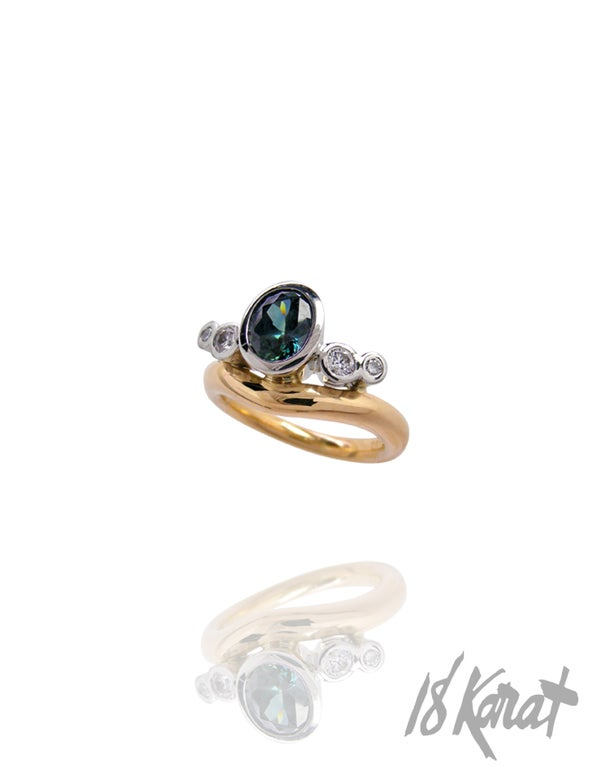 Zahra's Engagement Ring - 18Karat Studio+Gallery