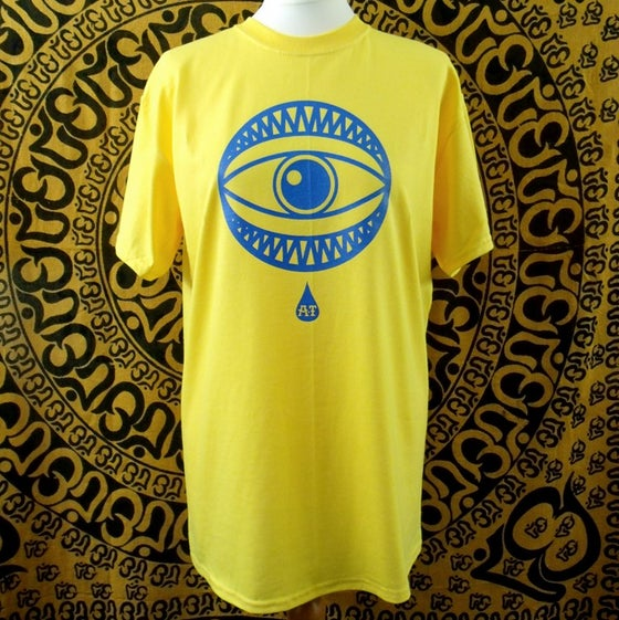 Image of Yellow EYE contrast t-shirt