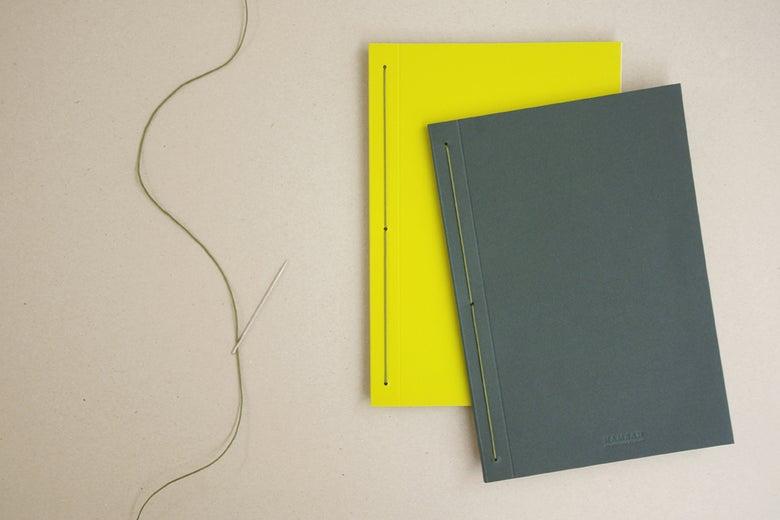 Image of Caderno liso IRO vertical | Plain IRO notebook B5