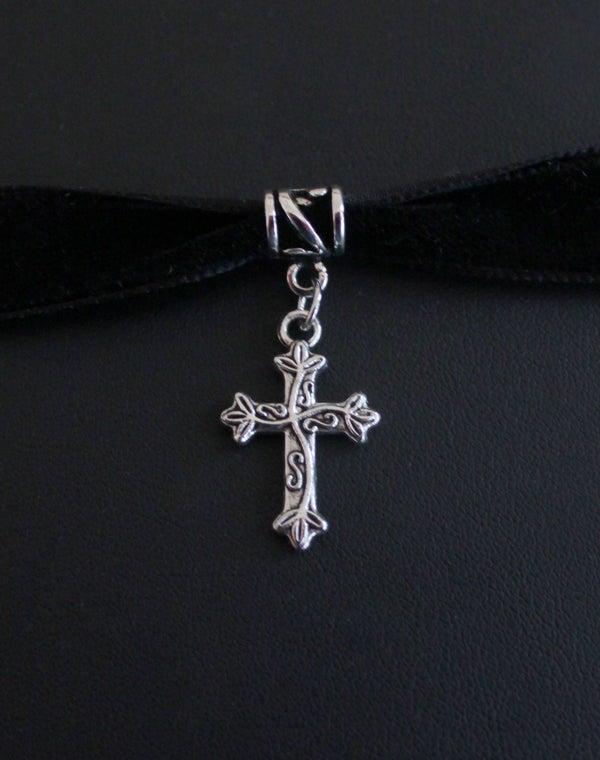 Image of Collier ras du cou noir velours avec croix argenté