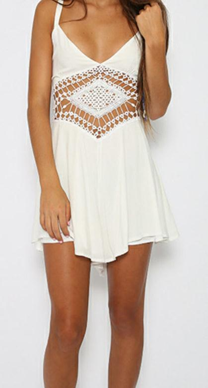 Image of RETICULAR V-NECK WHITE CONDOLE BELT CONJOINED DIVIDED SKIRTS ROMPER