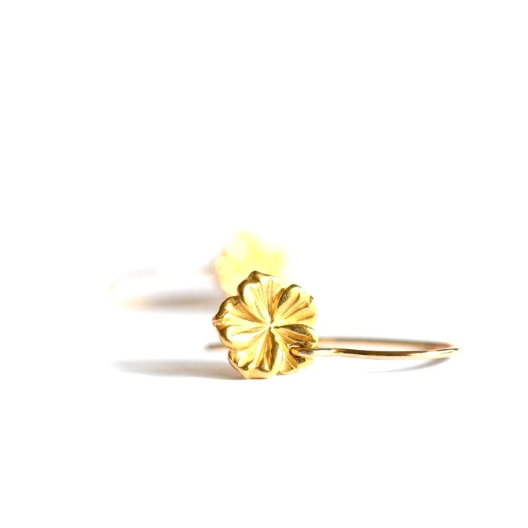 Image of Tiny hibiscus earrings gold