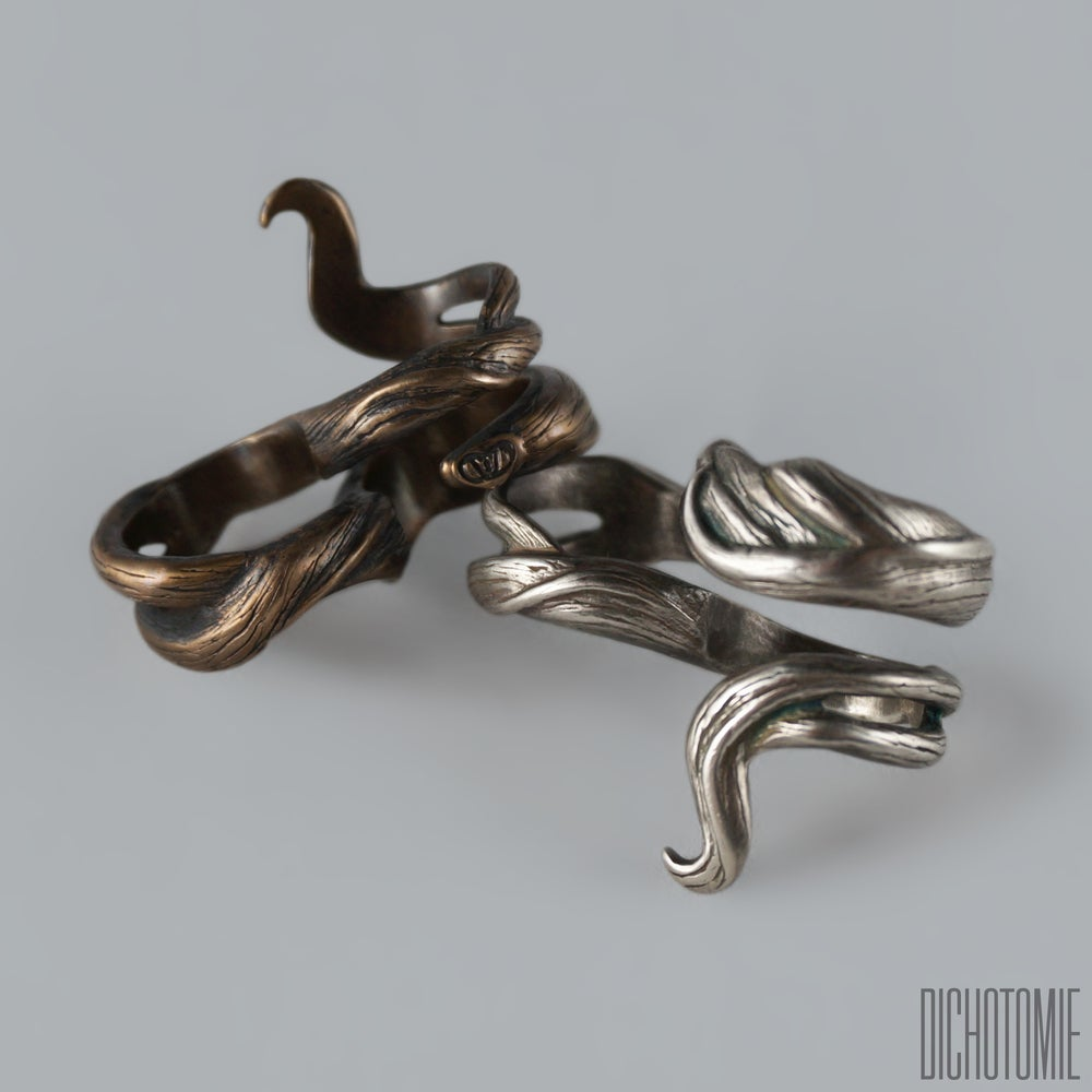 Image of The Banshee Lock Duster in Bronze