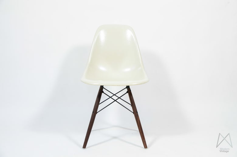 Image of Eames Herman Miller Vitra DSW off white parchment original stoel
