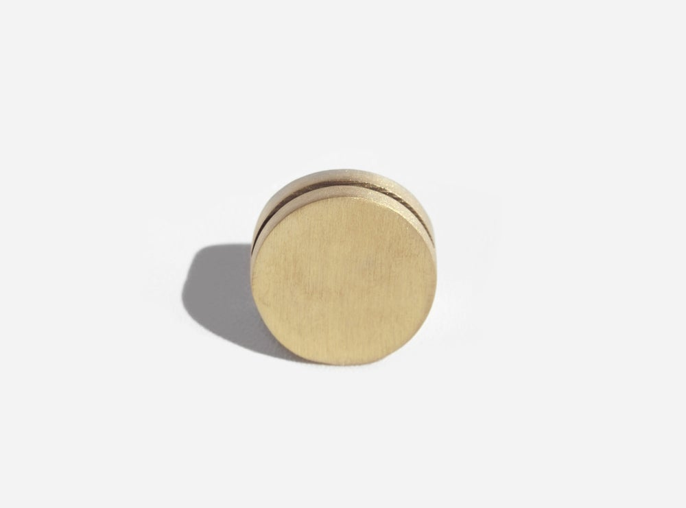 Image of Brass Geo Stand - Circle