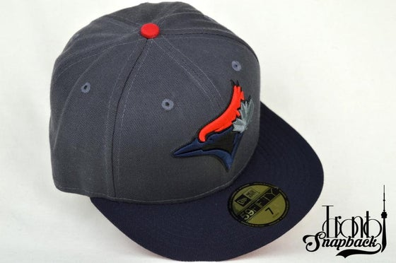 Image of TORONTO BLUE JAYS CUSTOM DRK GRY, NVY BLU & RED NEW ERA 5950 FITTED CAP