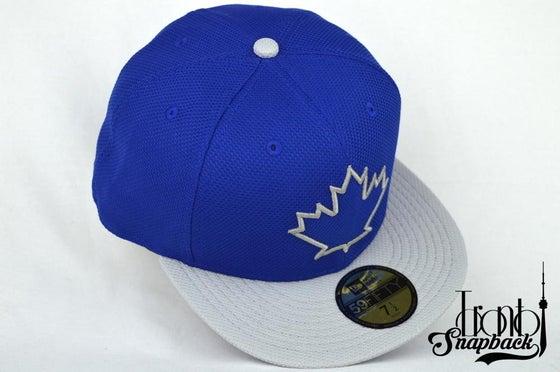 Image of TORONTO BLUEJAYS ROY BLUE & GREY NEW ERA FITTED CAP