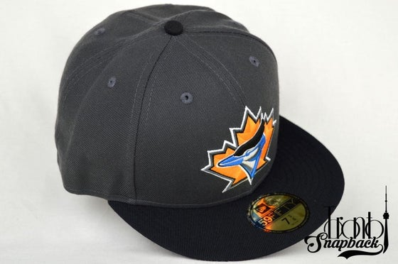 Image of TORONTO BLUEJAYS RETRO GRY/BLK ORG/BLU NEW ERA FITTED CAP