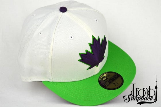 Image of TORONTO BLUE JAYS SPRING TRAINING WHT/LIM GRN/PUR NEW ERA FITTED CAP