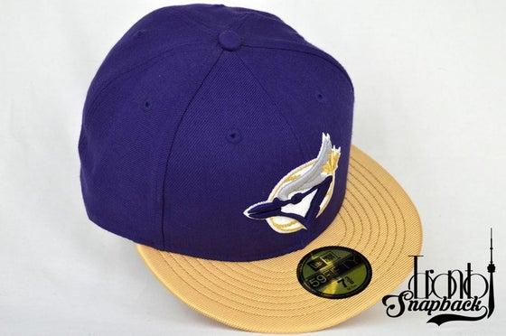 Image of TORONTO BLUEJAYS CUSTOM PUR/GLD NEW ERA 5950 FITTED CAP