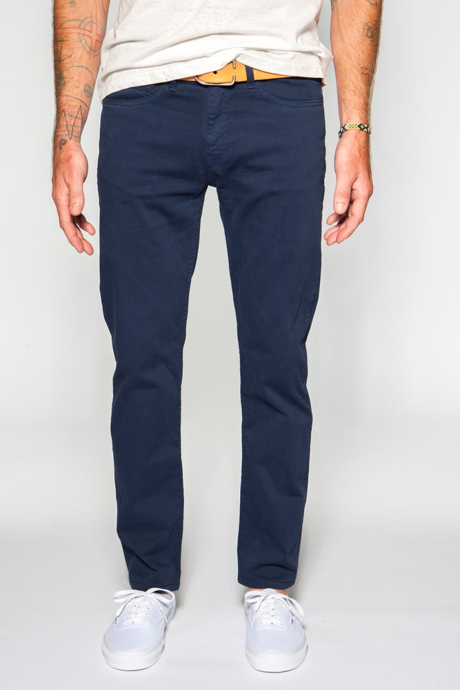 Image of Garment-dyed Italian twill in navy slim fit