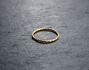Image of Gold twister