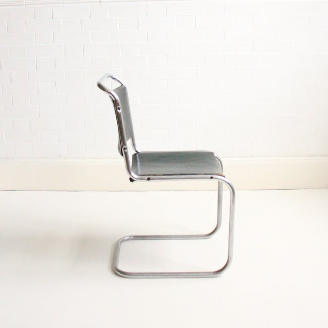 Image of Marcel Breuer style cantilever chairs (pair)