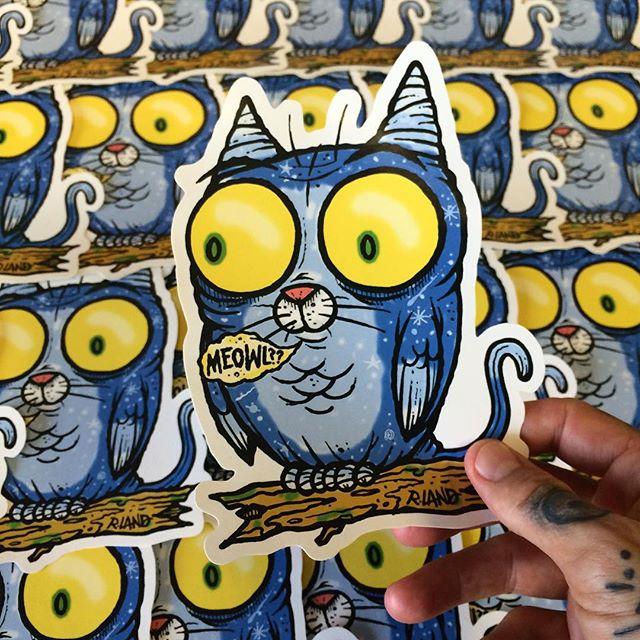 Image of Jumbo Meowl Sticker