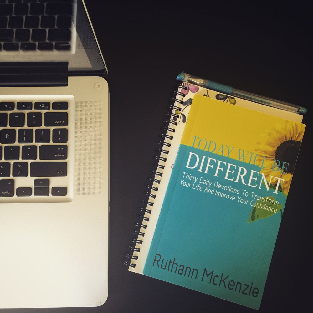 Image of Today Will Be Different: Thirty Daily Devotions To Transform Your Life and Improve Your Confidence