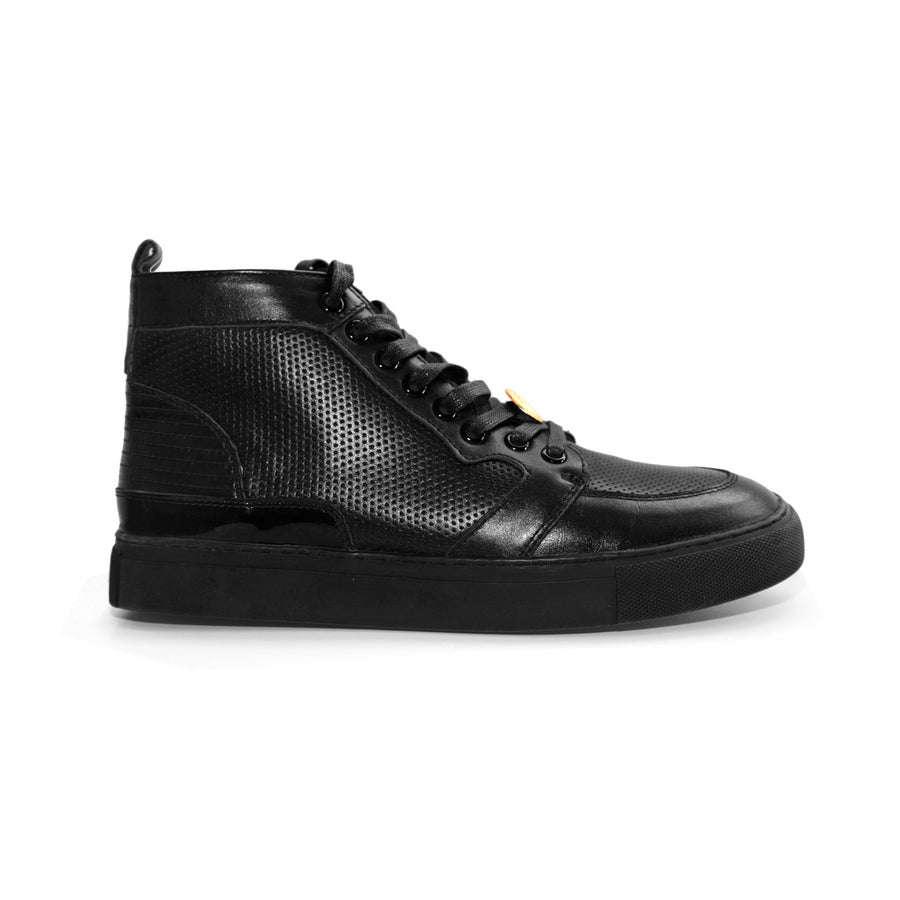 Image of Black GENESIS Italian Leather Sneaker RRP350