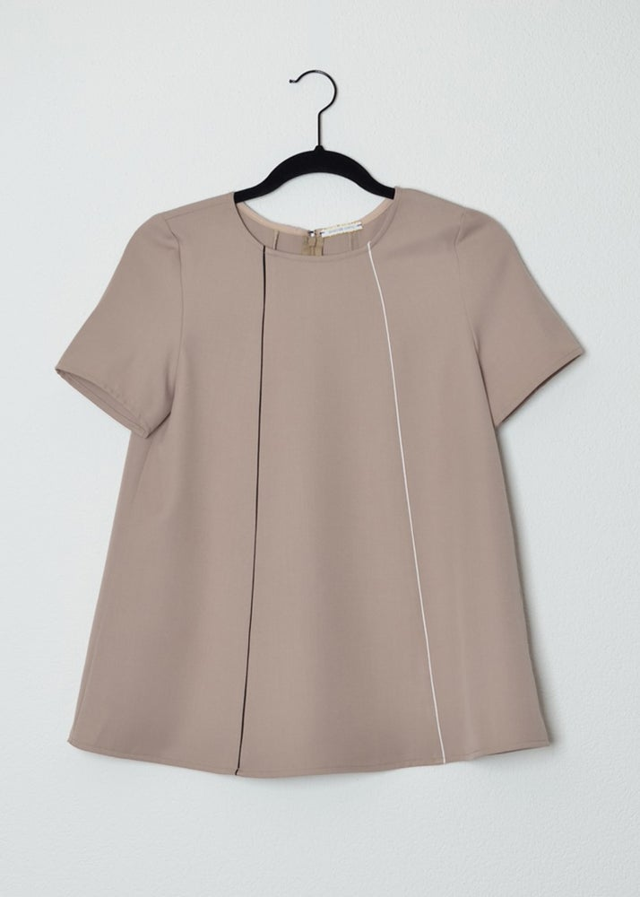 Image of blouse beige